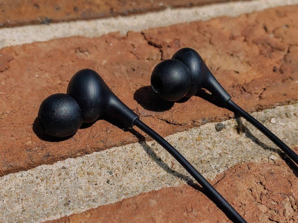 quest in-ear headphones